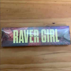 MAC Raver Girl Eyeshadow kit